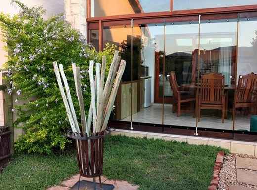 3 Bedroom Townhouse for Sale in The Coves