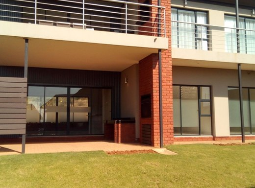 2 Bedroom House for Sale in Redstone Private Country Estate