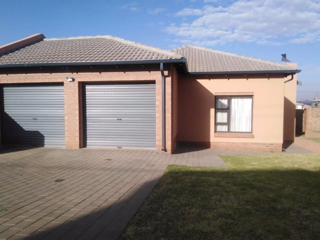 Clayville House For Sale