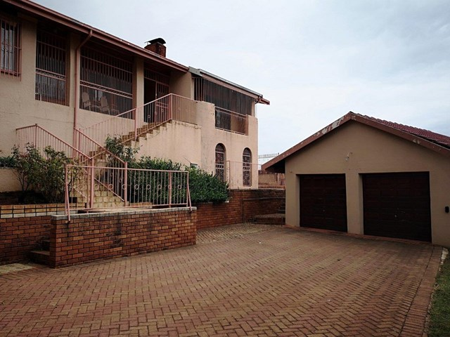 Laudium House For Sale