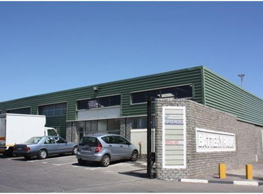 Warehouse to Let in Epping Industrial
