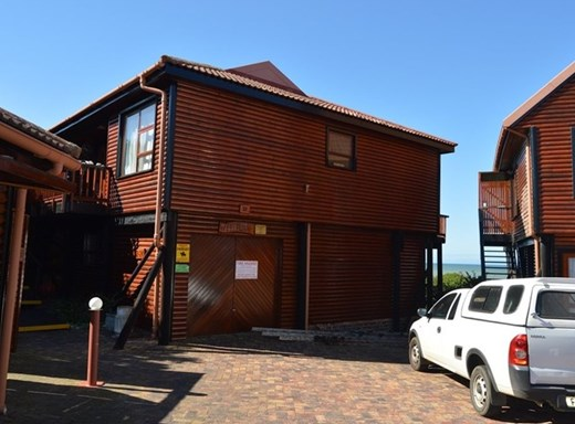 3 Bedroom Flat for Sale in Aston Bay