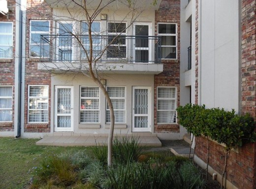 2 Bedroom Apartment for Sale in Mooivallei Park