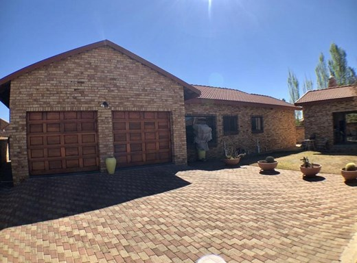 4 Bedroom House for Sale in Baillie Park
