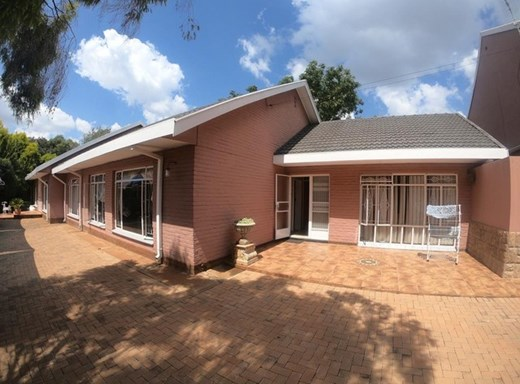 4 Bedroom House for Sale in Bult East
