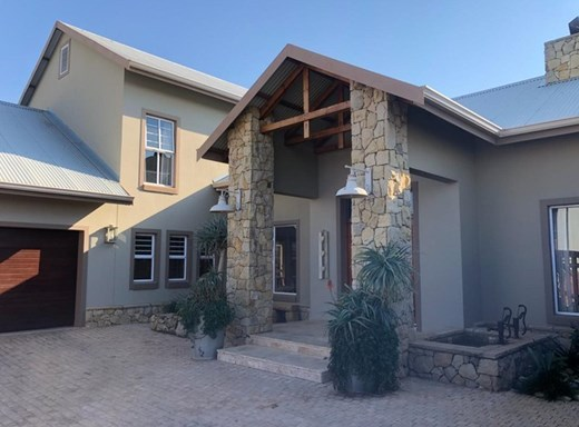 4 Bedroom House for Sale in Tuscany Ridge