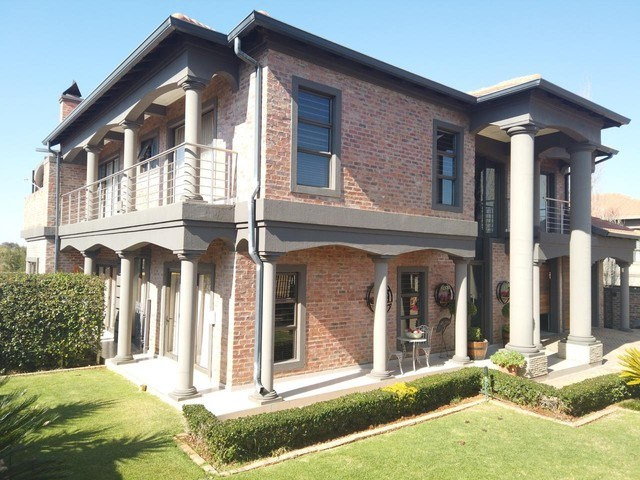 5 Bedroom House for Sale in Tuscany Ridge
