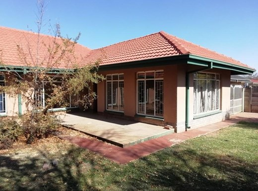 3 Bedroom House to Rent in Baillie Park
