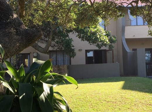 3 Bedroom Flat for Sale in Shelly Beach