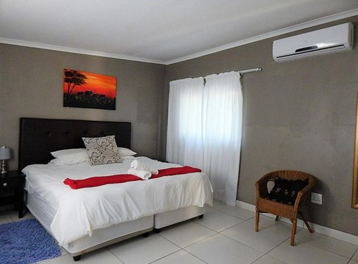 23 Bedroom Guesthouse/B&B for Sale in Fairview