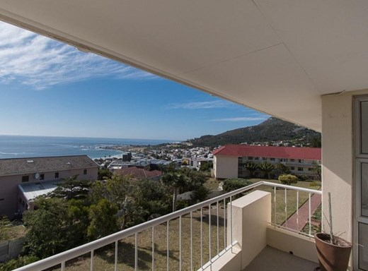 3 Bedroom Apartment to Rent in Camps Bay