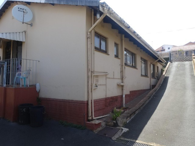 4 Bedroom House for Sale in Mobeni Heights