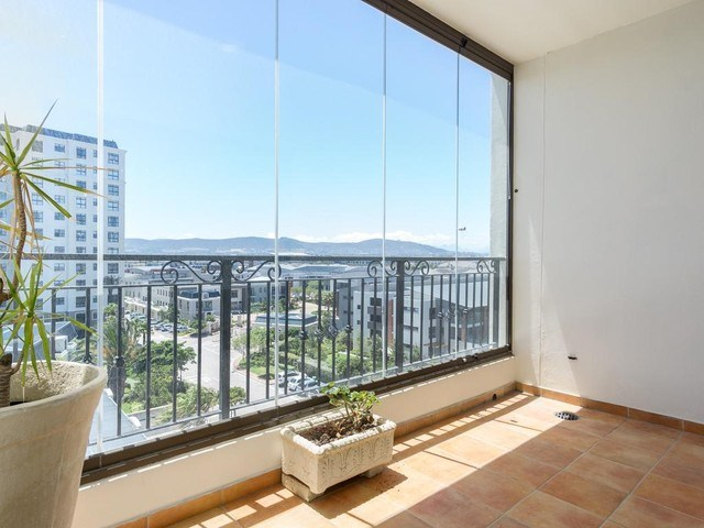2 Bedroom Apartment for Sale in Century City