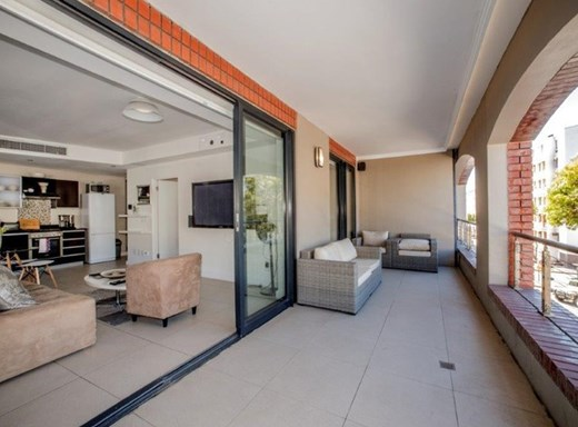 1 Bedroom Apartment for Sale in De Waterkant