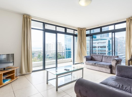 2 Bedroom Apartment for Sale in De Waterkant