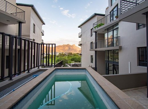 2 Bedroom Apartment for Sale in Hout Bay