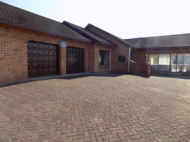 4 Bedroom House for Sale in Pumula