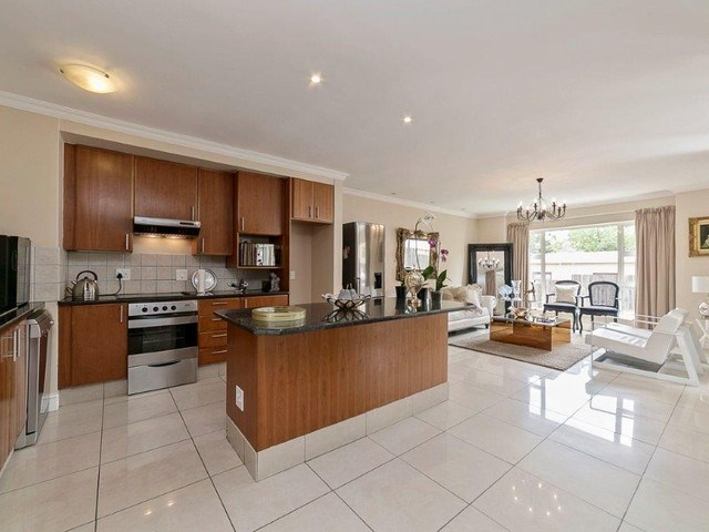 3 Bedroom Apartment for Sale in Craighall