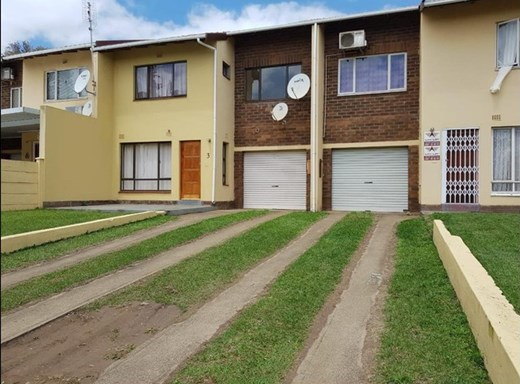 3 Bedroom Duplex for Sale in Empangeni