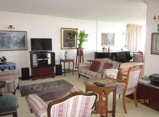 3 Bedroom Penthouse for Sale in Athlone