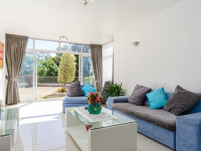 1 Bedroom Apartment to Rent in Green Point
