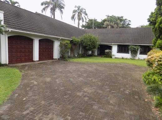6 Bedroom House for Sale in Umtentweni