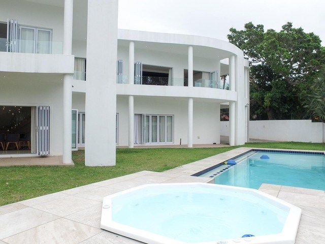 5 Bedroom House to Rent in La Lucia