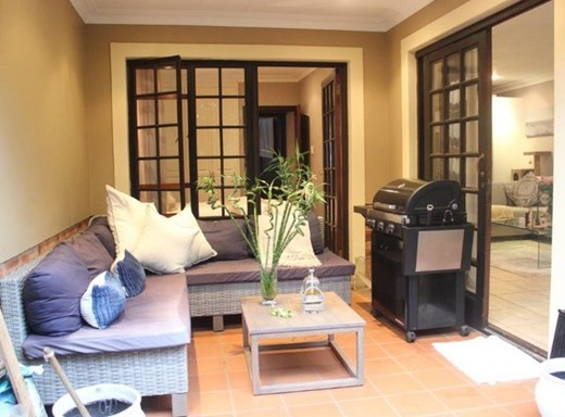 1 Bedroom Apartment for Sale in Hillcrest