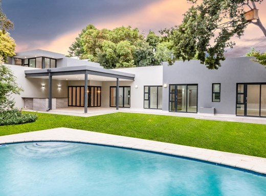 4 Bedroom House for Sale in Parktown North