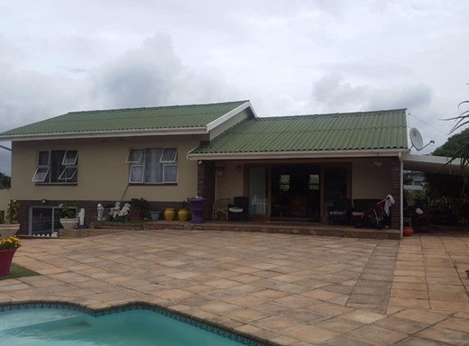 2 Bedroom House for Sale in Port Shepstone