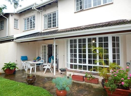 2 Bedroom Townhouse for Sale in Kloof