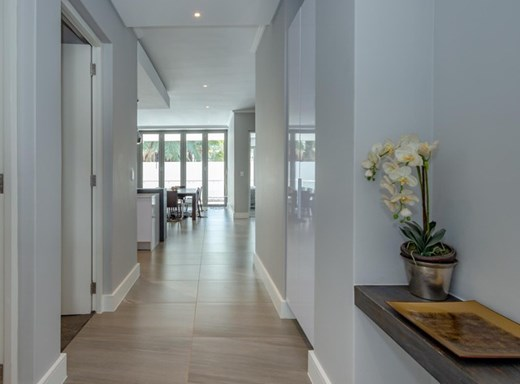 3 Bedroom Apartment for Sale in Hyde Park