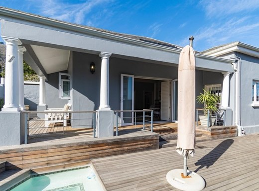 3 Bedroom House for Sale in Sea Point