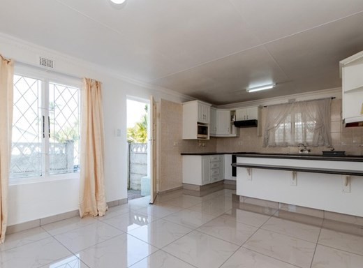3 Bedroom Apartment for Sale in Malvern