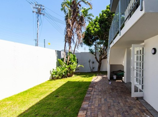 3 Bedroom Townhouse for Sale in Wynberg