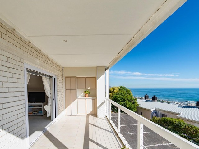2 Bedroom Apartment to Rent in Camps Bay