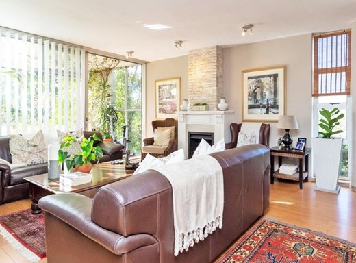 3 Bedroom Apartment for Sale in Claremont