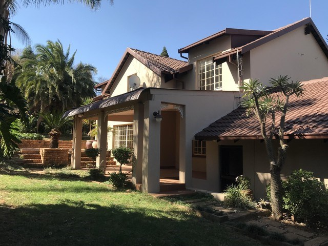 5 Bedroom House for Sale in Rietvalleirand