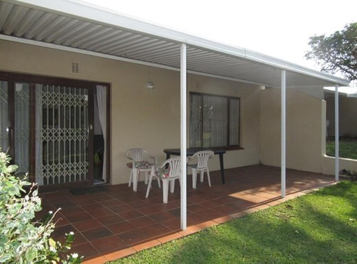 2 Bedroom Simplex for Sale in Scottburgh South