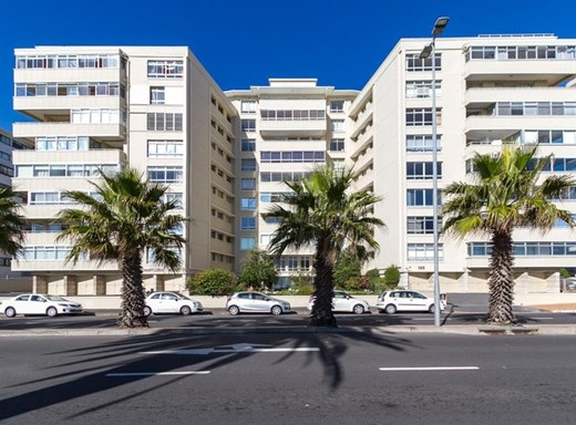2 Bedroom Apartment for Sale in Three Anchor Bay