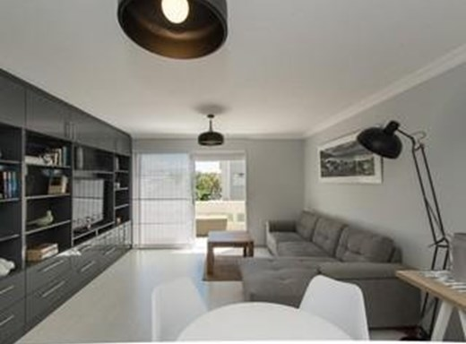 2 Bedroom Apartment to Rent in Green Point
