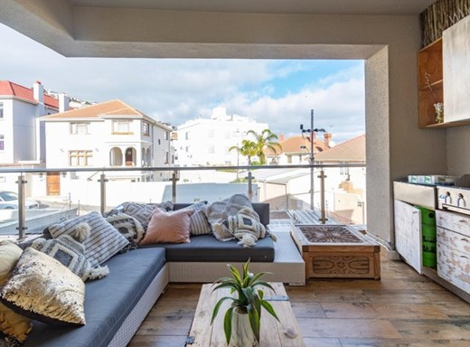 4 Bedroom Townhouse for Sale in Bantry Bay