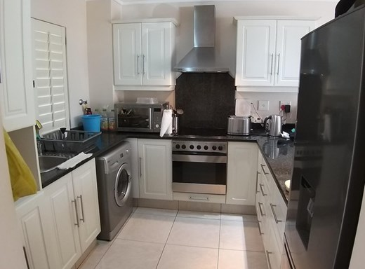 1 Bedroom Apartment for Sale in Somerset Park