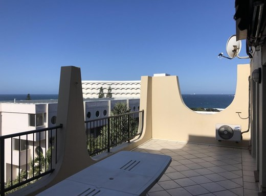 2 Bedroom Apartment for Sale in Umhlanga