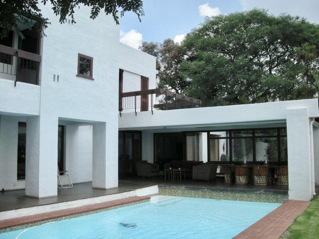4 Bedroom House for Sale in Houghton Estate