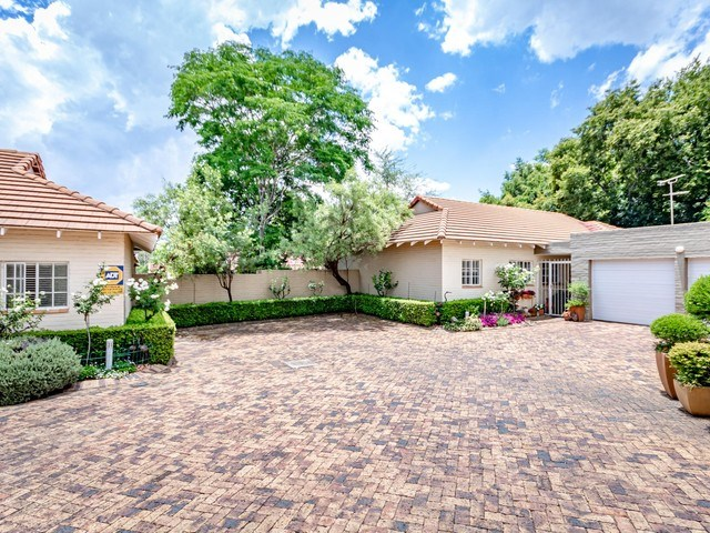3 Bedroom Simplex for Sale in Craighall