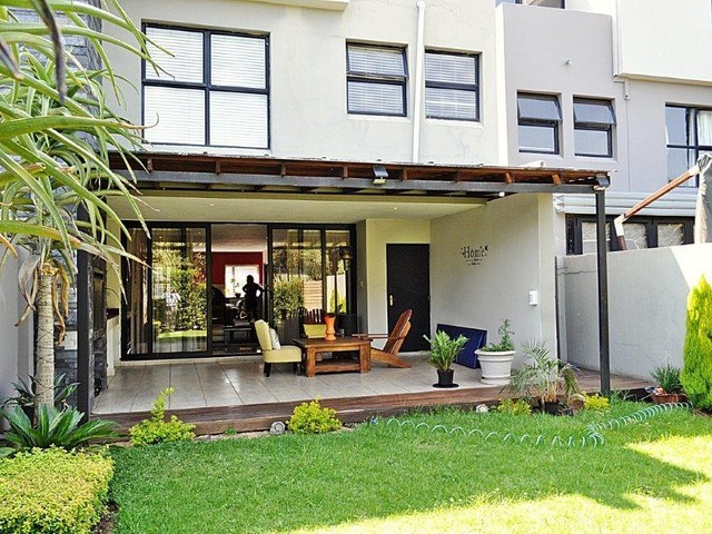 3 Bedroom Duplex to Rent in Lombardy Estate