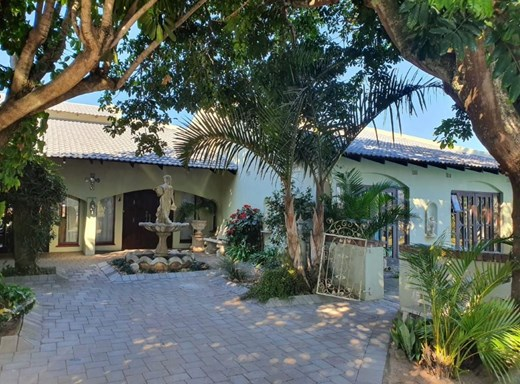 7 Bedroom House for Sale in Shelly Beach
