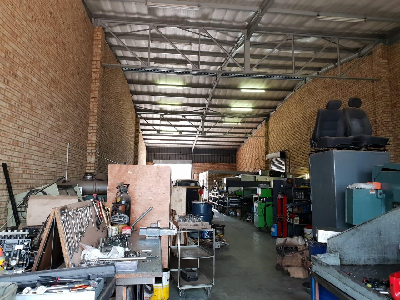 Warehouse to Let in Jet Park