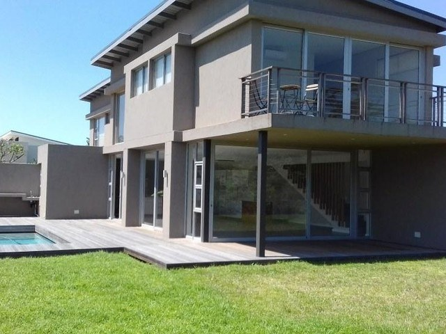 4 Bedroom House for Sale in Dunkirk Estate